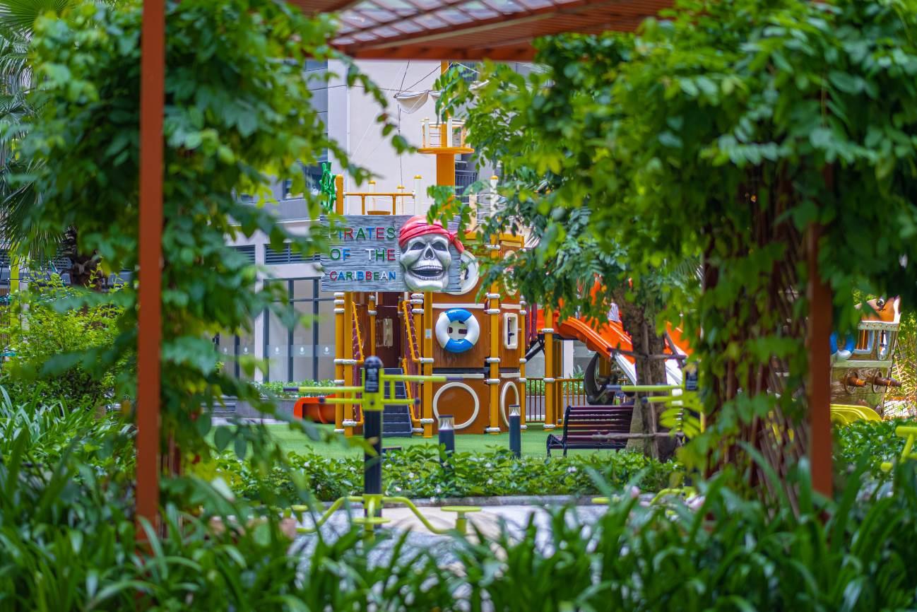 Không gian vui chơi cho trẻ nhỏ cùng mảng xanh dày đặc ở Vinhomes Ocean Park.